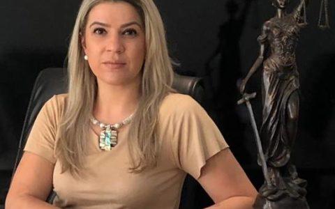 Fernanda Thays Lemos – Sócia fundadora, advogada inscrita na OAB/PR sob o n.º 80.494, formada